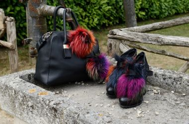 production of accesorize and fur coat pon pon fox multicolor