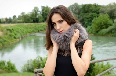production of accesorize and fur stole